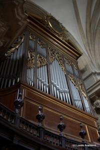Fachada - Órgano Cavaillé-Coll - Basílica Santa María del Coro