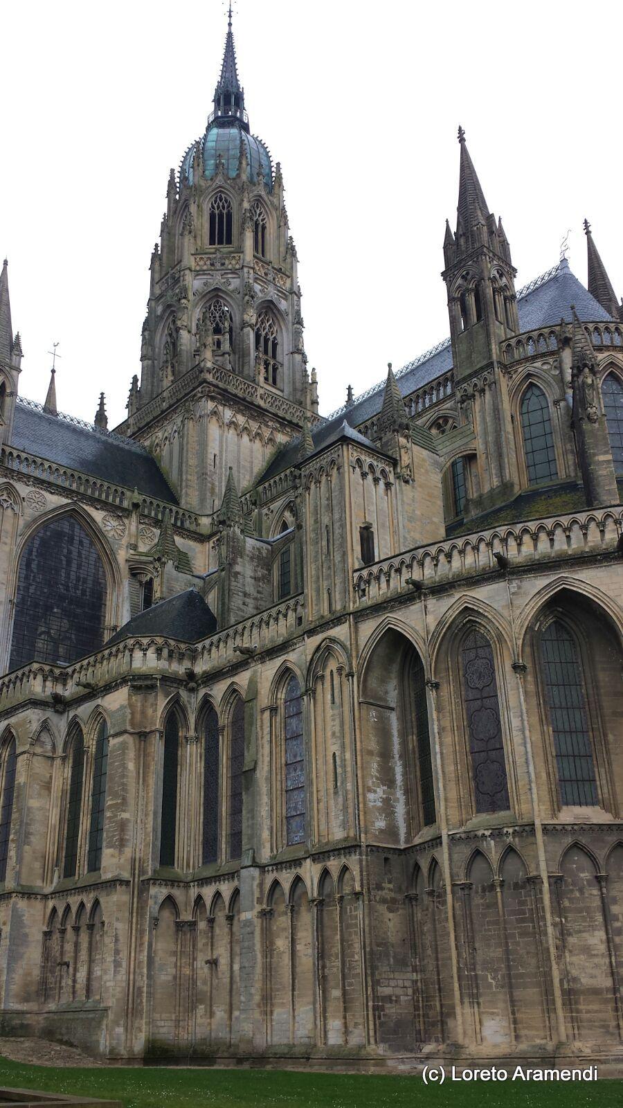 Catedral notre dame bayeux exterior loreto aramendi for Exterior notre dame