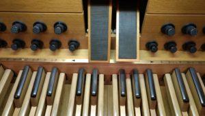 Pedal órgano Kuhn - Tokyo Opera City Hall