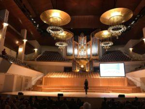 Auditorio Nacional -Loreto Aramendi - Saludos finales