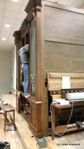 Sagrada Familia - órgano Cavaillé-Coll Convers - limpieza - trabajando