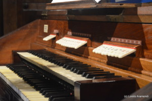 Concierto benéfico para el órgano Stoltz - Bergara - Pais Vasco - Loreto Aramendi -Teclado