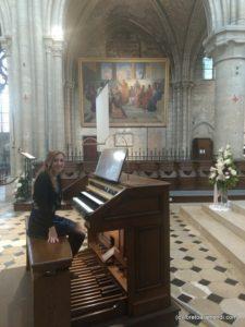 Organ concert with Loreto Aramendi - Console Cogez - Mantes La Jolie - France