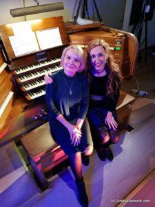 Loreto Aramendi y Marina Omelchenco