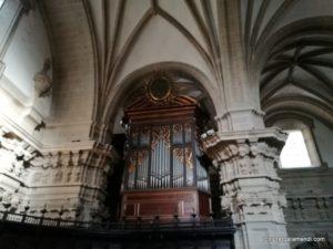 órgano Aristide Cavaillé-Coll (1863) de la Basílica Santa María del Coro